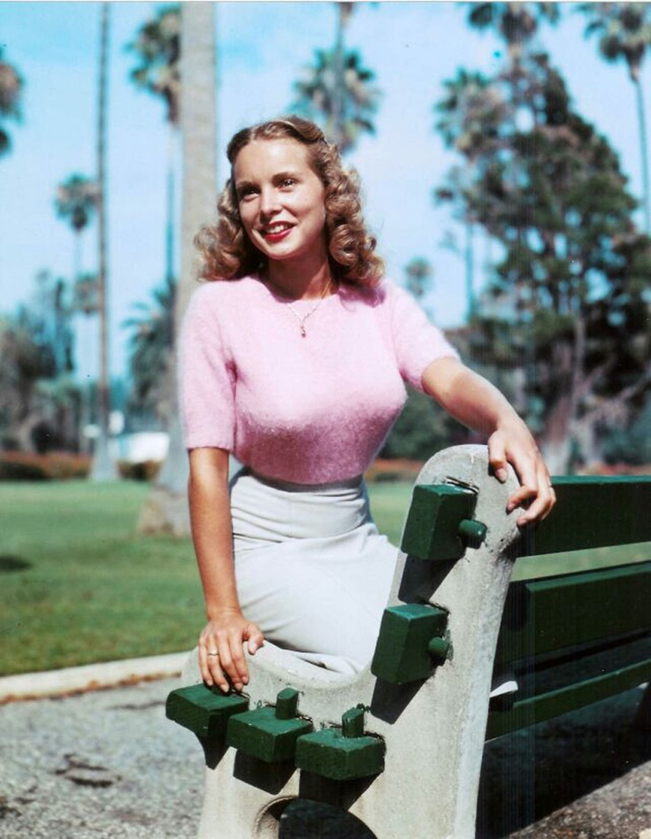 Janet Leigh appeared in Hitchcocks Phsyco, and The Vikings.
