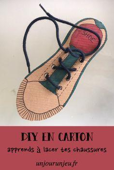 Je vous partage une petite astuce pour apprendre à vos enfants à faire leurs lacets. C'est très rapide à faire et c'est top pour les occuper !