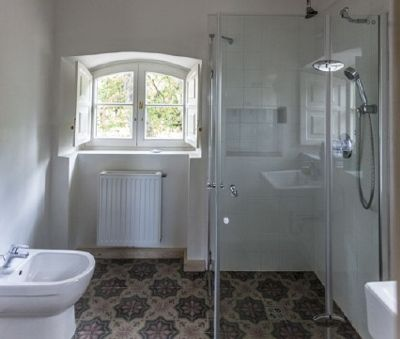 1st floor bathroom - The Bat Barn Luxury Villa at Lake Balaton