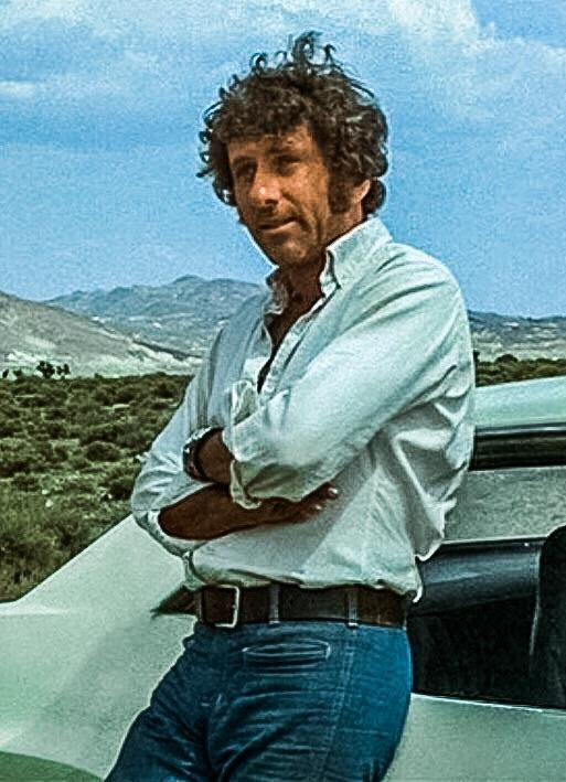 Barry Newman in the 1971 cult classic Vanishing Point. The car chase movie that put the Dodge Challenger on the map. http://ift.tt/2CKgHra