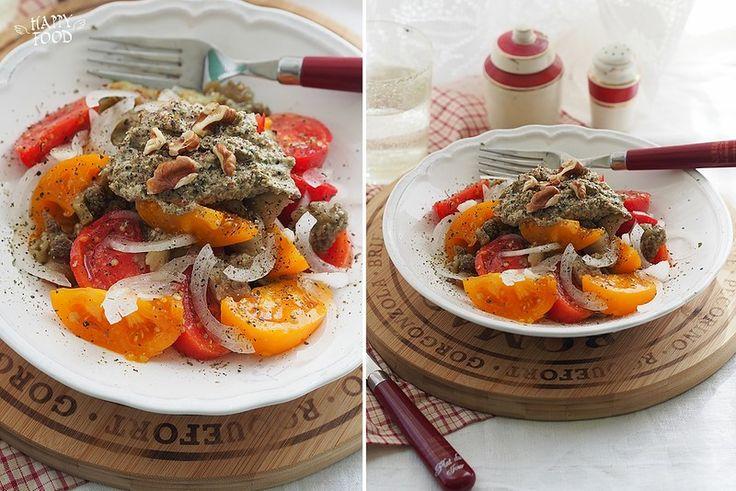 Салат с запеченным баклажаном и ореховым соусом - HAPPYFOOD