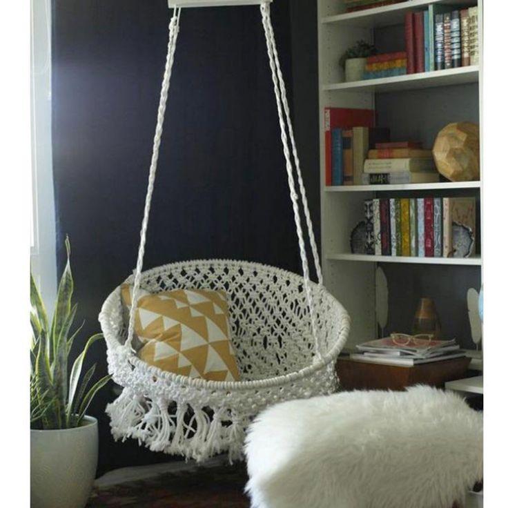 un fauteuil suspendu en macram hamac pinterest hamacs suspendu et fauteuil suspendu. Black Bedroom Furniture Sets. Home Design Ideas