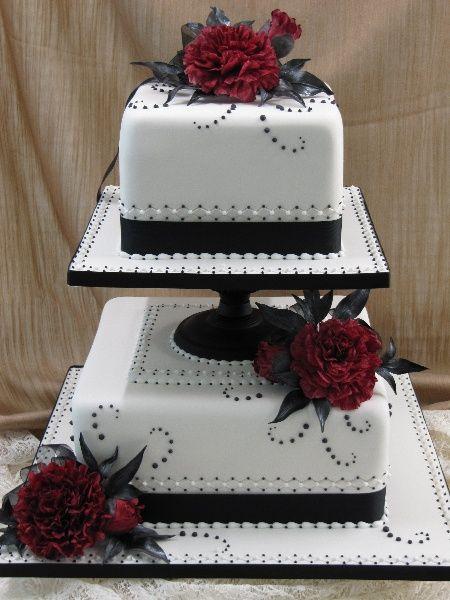 gothic wedding cakes | Gothic Black  Red Wedding Cake | wedding stuff