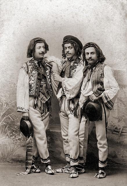 Romanian costumes. Please like http://www.facebook.com/RagDollMagazine and…