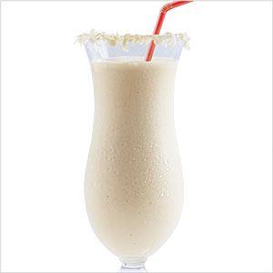 Frozen white chocolate milkshake: Chocolates Liqueurs, Irish Cream, Cream Liqueurs, Vanilla Cream, Frozen Drinks, Chocolates Milkshakes, White Chocolates Recipes, Chocolates Cocktails, Frozen White