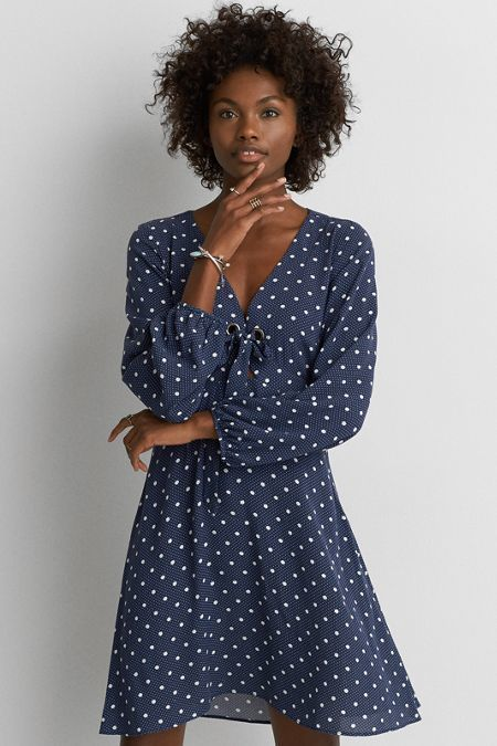 $19.98 American Eagle Outfitters AE Tie Front Grommet Dress (affiliate link)