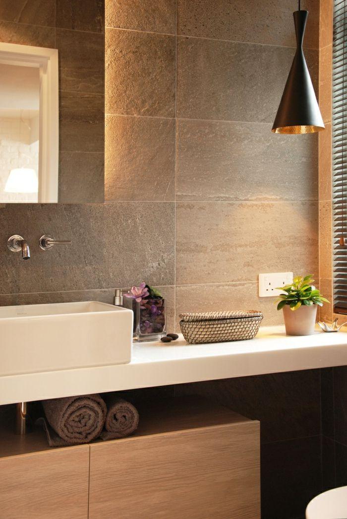 Clairage indirect pour la salle de bain avec mur gris - Eclairage mural salle de bain ...
