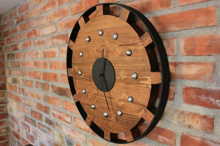 Zegar Koło Zębate to funkcjonalny i efektowny element dekoracyjny, idealny pomysł na prezent.