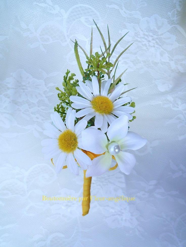 Boutonnière marguerite jasmin blanc perle pour un mariage ou une cérémonie (réf-b-1010) : Autres accessoires par fleur-angelique