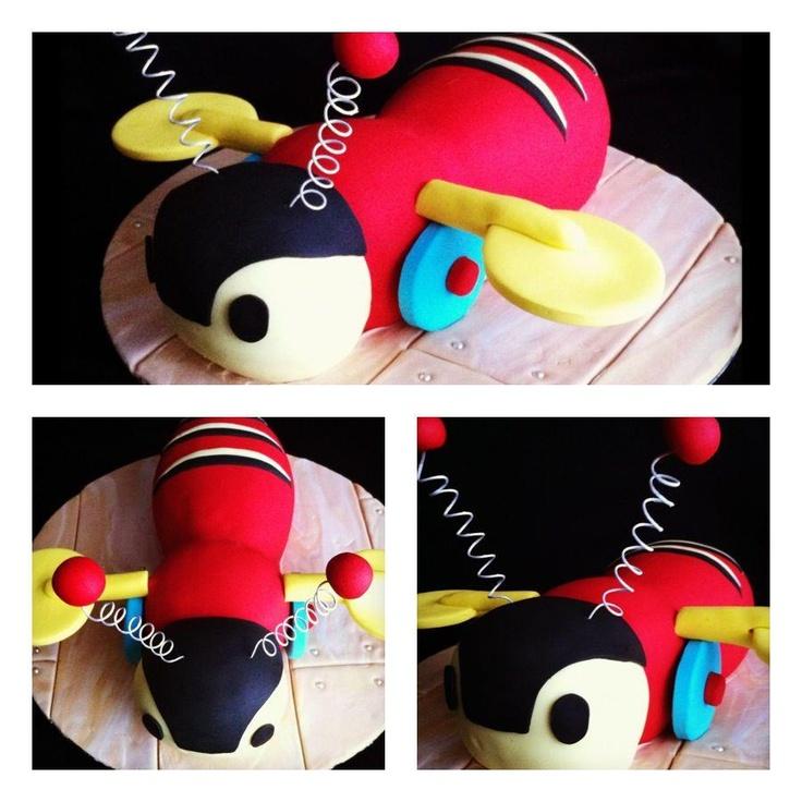 Buzzy Bee Toy cake....Kiwi icon for 1st birthday