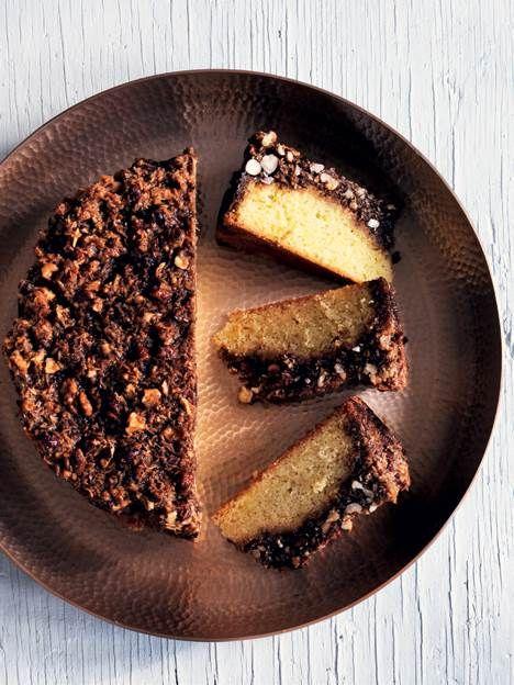 Brug forskellige slags nødder til at bage knasende lækre kager, eller kast dig over den lidt sundere müslibar.