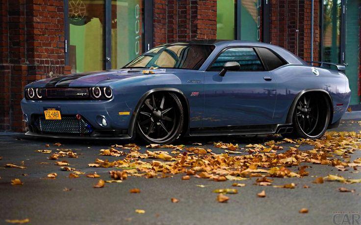 Fondos de Escritorio con extravagantes potente coche Dodge Challenger.