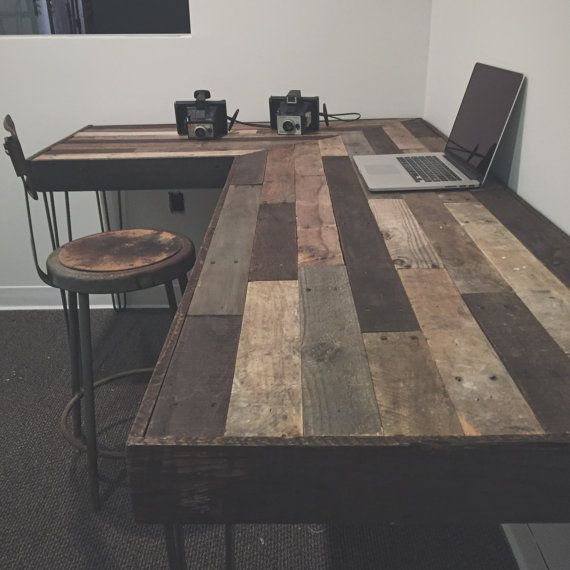 Rustic L-Shaped Desk Made from Reclaimed Wood от crtcreative