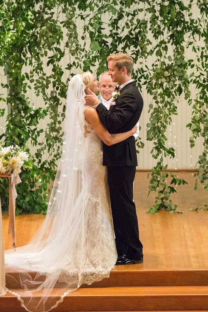 Romantic wedding ceremony; photo: Nancy Ray Photography