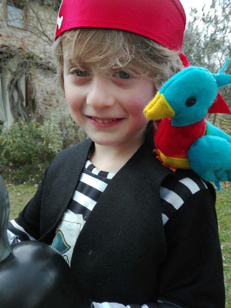 #Costume pirata fai da te carnevale#halloween# pappagallo su spalla
