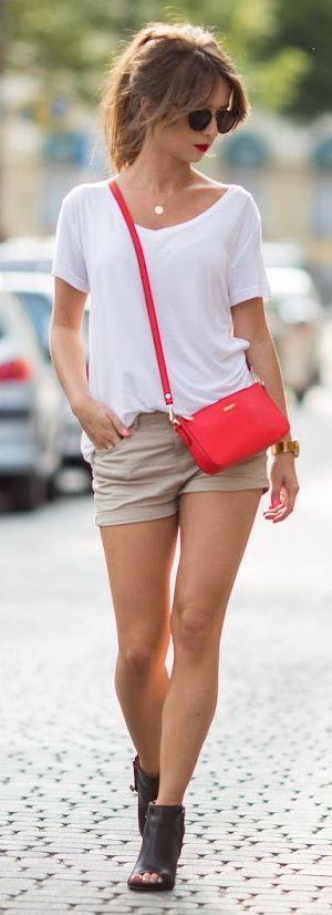 Khaki shorts + white tee.