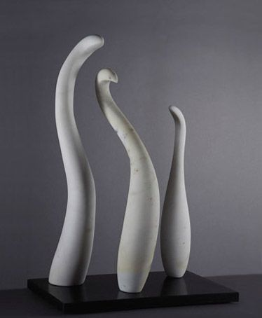 Polymorph III (Los Flamingos) 2007, marmo statuario, Jaya Schuerch http://musapietrasanta.it/content.php?menu=artisti