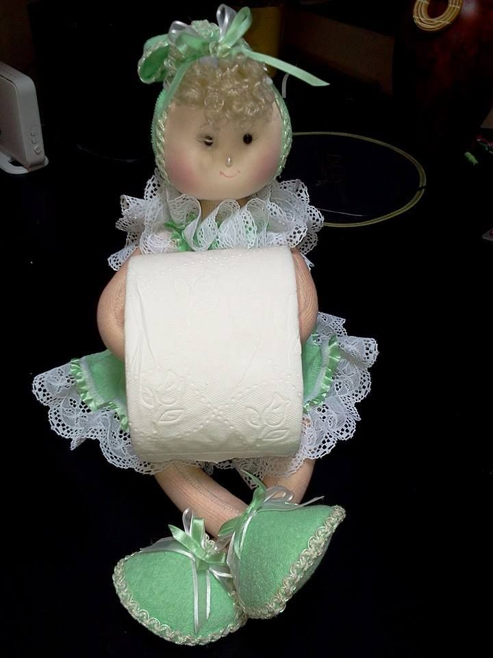 muñeca porta  papel higienico