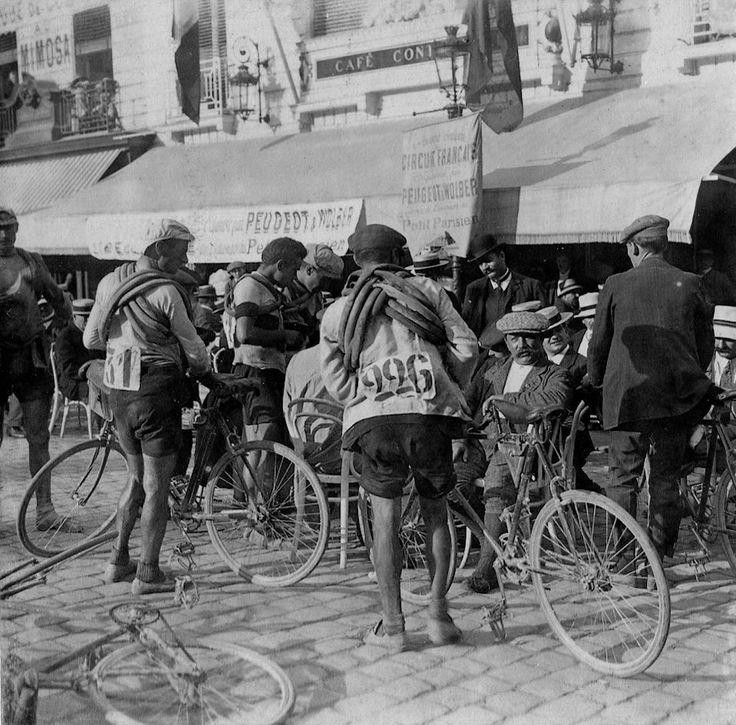 Place Royale. Premier tour de France en 1903