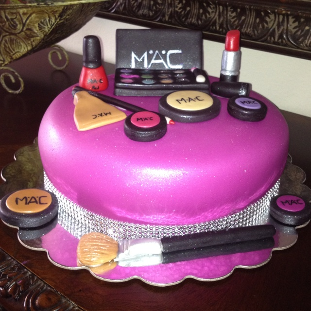 Makeup Cake Images : Beautiful, Mac cake and Birthdays on Pinterest