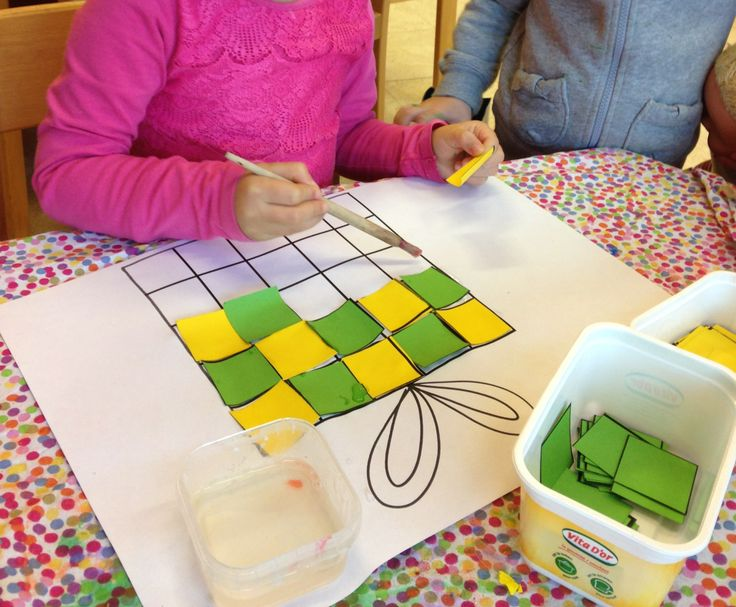 Geef een kind vierkantjes, en laat ze het pakje vol plakken met een reeks