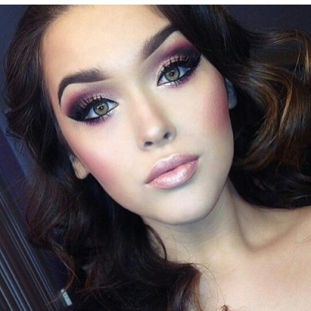 Dramatic rose smoky eye.