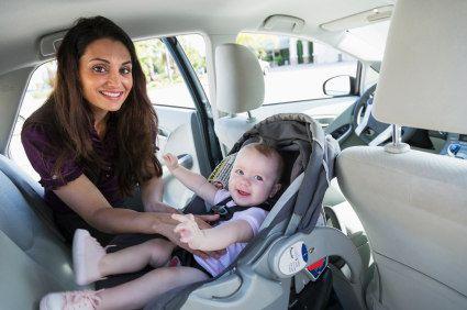 Kindersitze im Test: Jetzt die Testsieger von ADAC, Stiftung Warentest und Co. vergleichen - Reifen.de