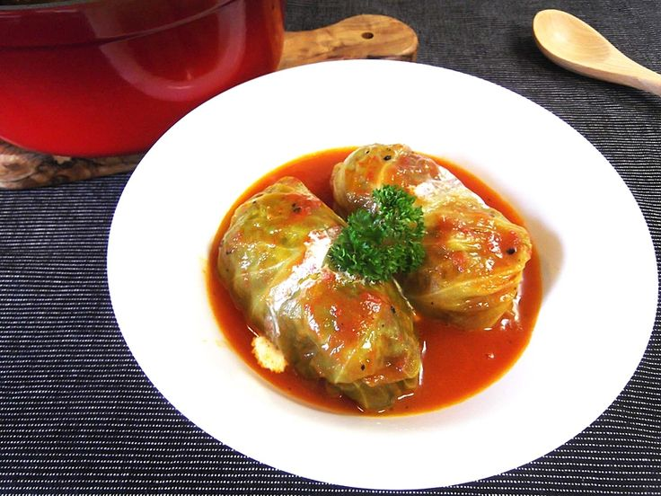 肉汁じゅわっなロールキャベツの作り方!おいしいスープのコツも必見♡|CAFY [カフィ]