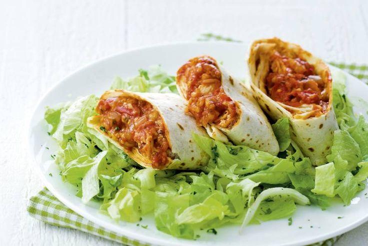 11 april - Kipfiilet in de bonus - De perfecte vrijdagavondmaaltijd: kip-tomaatburrito's. Recept - Allerhande
