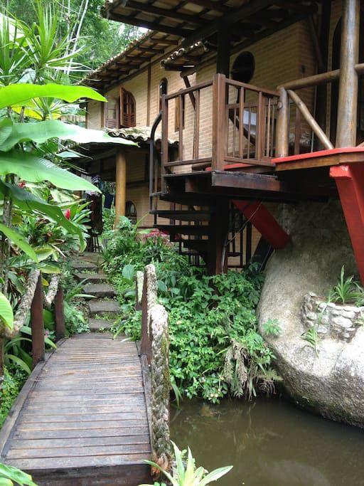 Ganhe uma noite no CASA DA PEDRA/PARAÍSO NA PRAIA VERMELHA DO CENTRO - Casas para Alugar em Ubatuba no Airbnb!