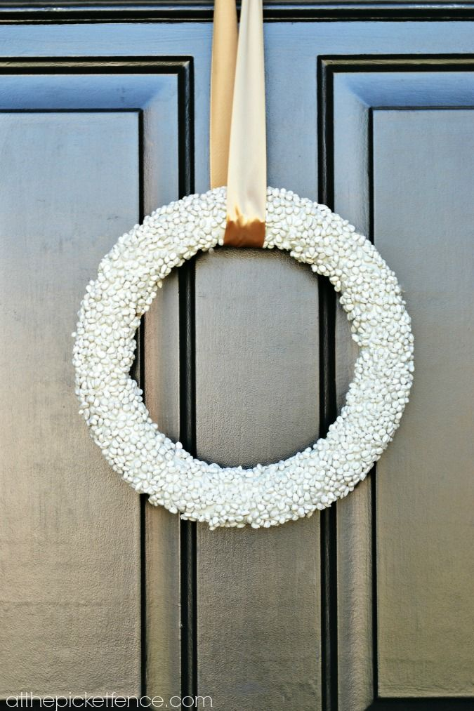 How to make a popcorn kernel wreath atthepicketfence.com