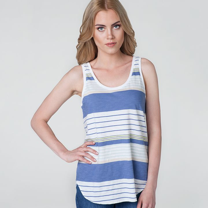 #jeanspl #newarrivals #studio #newproduct #new #women #womencollection #levis #levistshirt #tshirt #stripes #relaxed #tank #surf #stripe #violet #ash #standard #liveinlevis #model @alina.kolodziejczyk @as_management