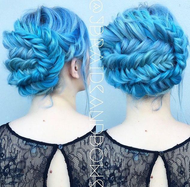 die besten 25 pastell blaue haare ideen auf pinterest gef rbte haare blaue haarfarben und. Black Bedroom Furniture Sets. Home Design Ideas