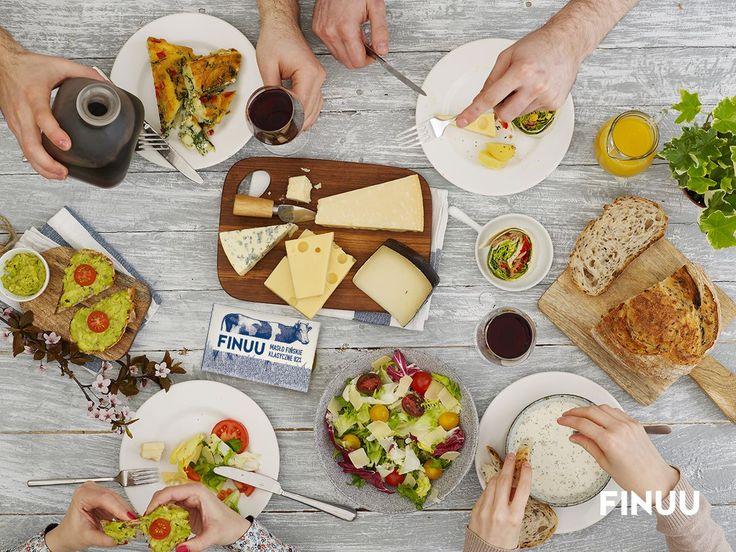 Weekend to dla wielu z nas jedyny moment, podczas którego możemy zasiąść przy stole z bliskimi. Lubicie te magiczne chwile?  #finuu #food #jedzenie #rodzina #przyjaciele #party #inspiration #inspiracje #dekoracja #stolu