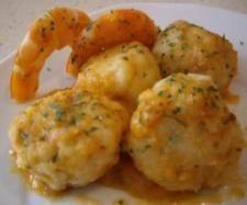Recette Boulettes de merlu (ou autre poisson) et sa sauce aux gambas à tomber par terre ! (recette de cpidre du forum Thermomix espagnol) par Toni64 - recette de la catégorie Poissons