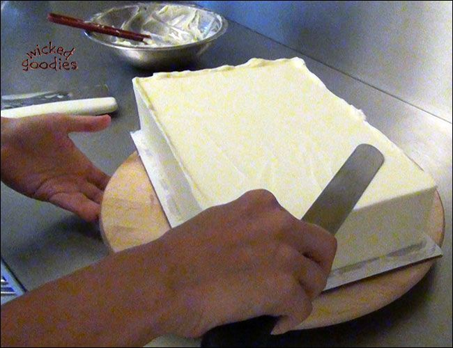 Frosting A Square Cake Or Sheet Cake With Buttercream