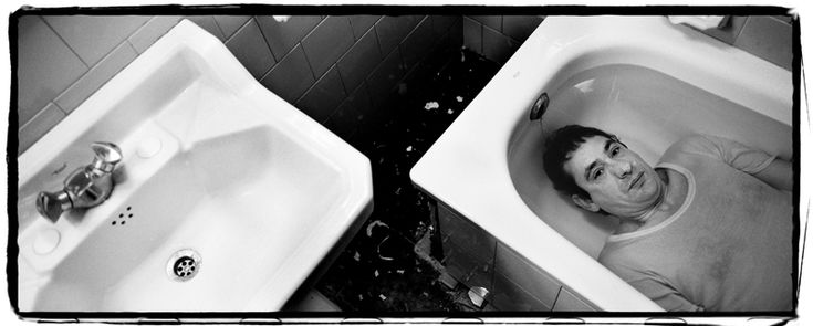 ÓSCAR FERNÁNDEZ ORENGO: EL ESPEJO DE LOS DIRECTORES DE CINE Hasselblad X-PAN película blanco y negro