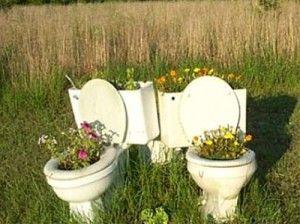 Redneck flower pots: Flowers Gardens, Container Gardens, Trailers Trash, Lawn Art, Flowers Pots, Backyard, Rednecks Gardens, Back Yard, Rednecks Humor
