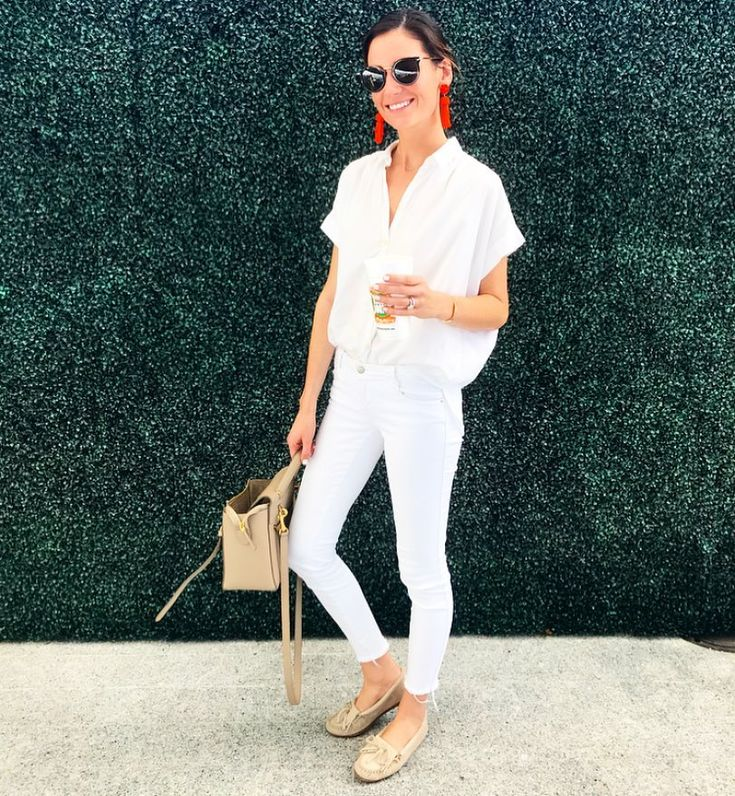 Who says you can't wear white after Labor Day? Rules are meant to be broken! All white with a pop of orange for TX/OU game day - any guesses on who I was rooting for? Always have the best time @happiesthourdal http://liketk.it/2t4j4 #liketkit @liketoknow.it #dallasblogger #txou #ootd