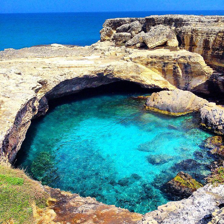 Puglia, Salento, Roca vecchia, la grotta della Poesia