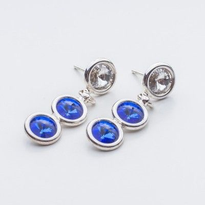 Swarovski Rivoli Earrings 6/6/6mm Crystal Sapphire  Dimensions: length: 3,2cm stone size: 6mm Weight ( silver) ~ 3,30g ( 1 pair ) Weight ( silver + stones) ~ 3,95g Metal : sterling silver ( AG-925) Stones: Swarovski Elements 1122 SS29 ( 6mm ) Colour: Crystal Sapphire 1 package = 1 pair  Price 9 EUR