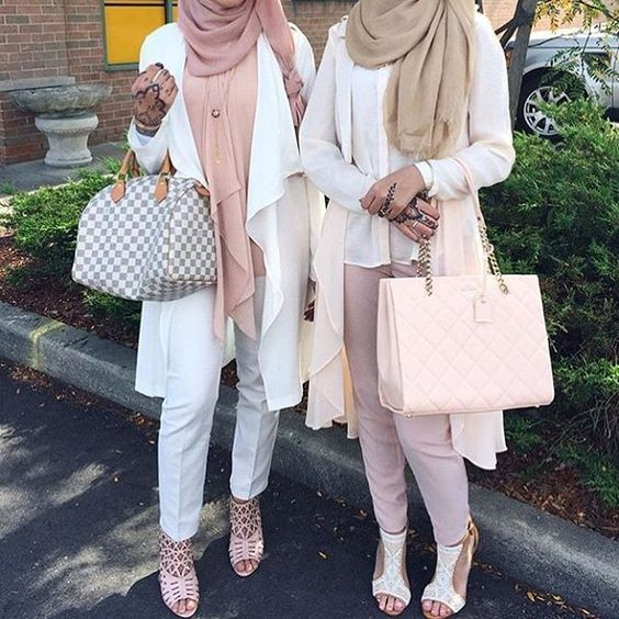 Hijab Fashion 2016/2017: Sélection de looks tendances spécial voilées Look Descreption Neutral hijab outfit ideas www.justtrendygir...