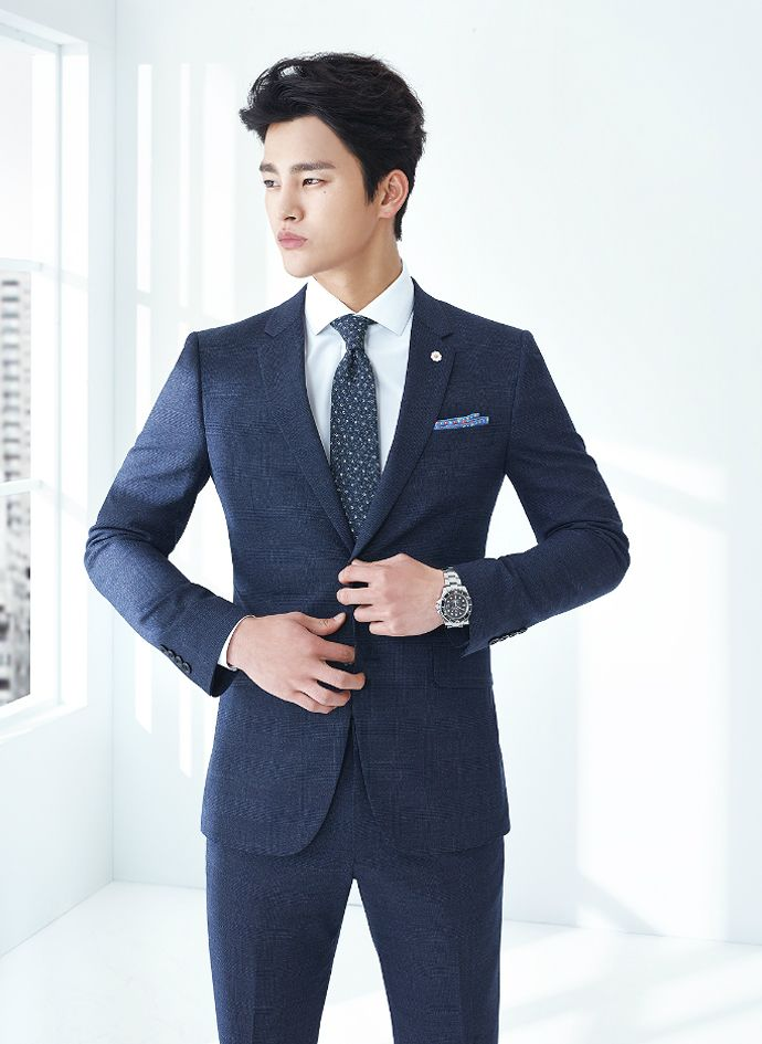 He didn't look too bad in Joseon clothes for The King's Face, but Seo In Guk has much more masculine magnetism dressed in suits, as seen in these S/S 2015 visuals for VOSTRO.  &nb…