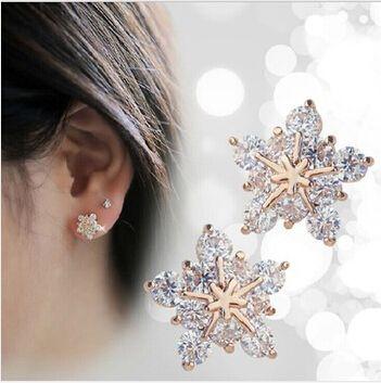 새로운 패션 크리스탈 귀걸이 골드 도금 스터드 귀걸이 귀여운 눈송이 귀걸이