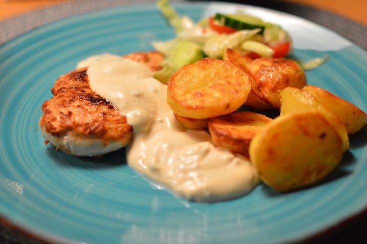 Therése mat & bak: Yoghurtmarinerad kyckling, ugnsstekt potatis & vitlökssås