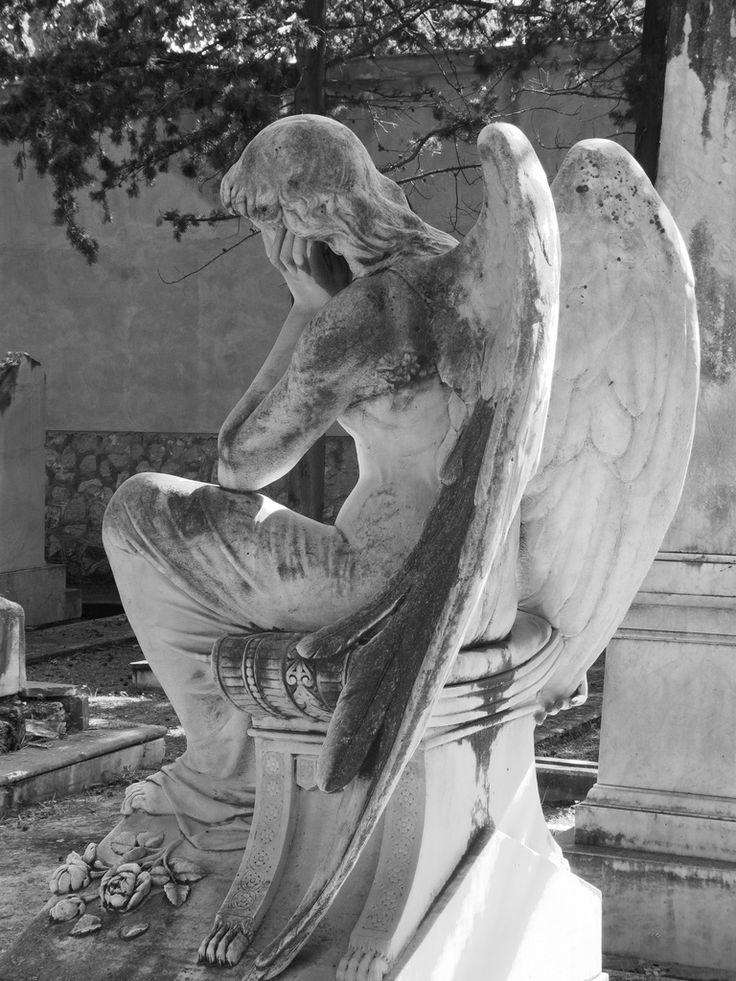 Monumento a Rodolfo Moser, dello scultore Benedetto Civiletti nel cimitero acattolico ai Rotoli