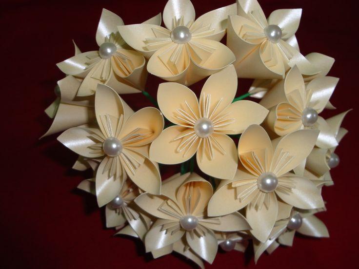 Buquê de Origami Flores com Pérolas
