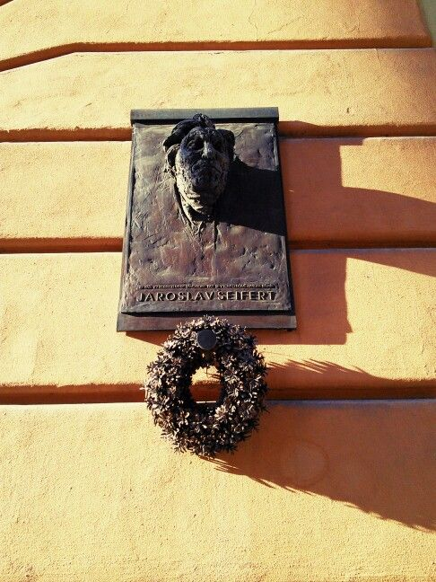 """""""On September 23, 1901, at 7:33 in the morning, the poet Jaroslav Seifert was born in this building."""" [Czech]"""