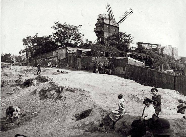 Montmartre et le Moulin de la Galette en 1912