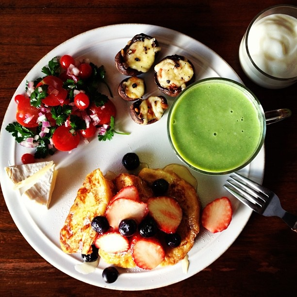 French toast, Turnip Greens Soup, Cheese stuffed Mushrooms. フレンチトースト、カブの葉のポタージュ、マッシュルームのチーズ焼き - @keiyamazaki- webstagram